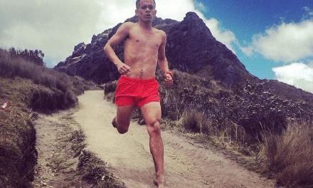 Edwin Ibarra: el corredor que corrió descalzo la Marathon des Sables retará a la Volcano Ultramaratón