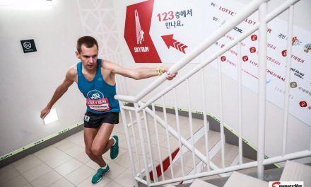 Piotr Lobodzinski sube a 3'5 escalones/ segundo los 81 pisos del edificio más alto del Sudeste Asiático