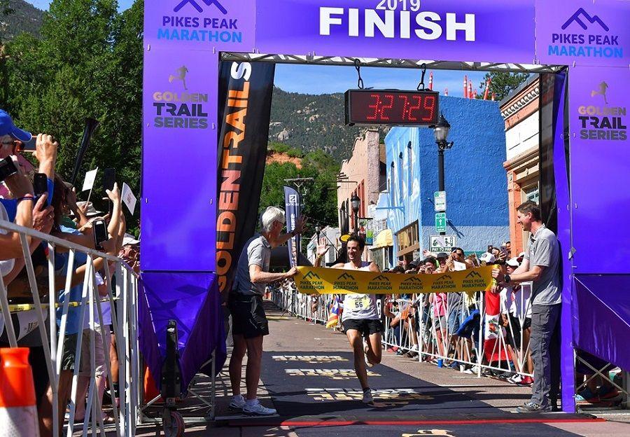 Kilian Jornet gana Pikes Peak pero se queda a 11 minutos del récord 'fantasma' de Matt Carpenter