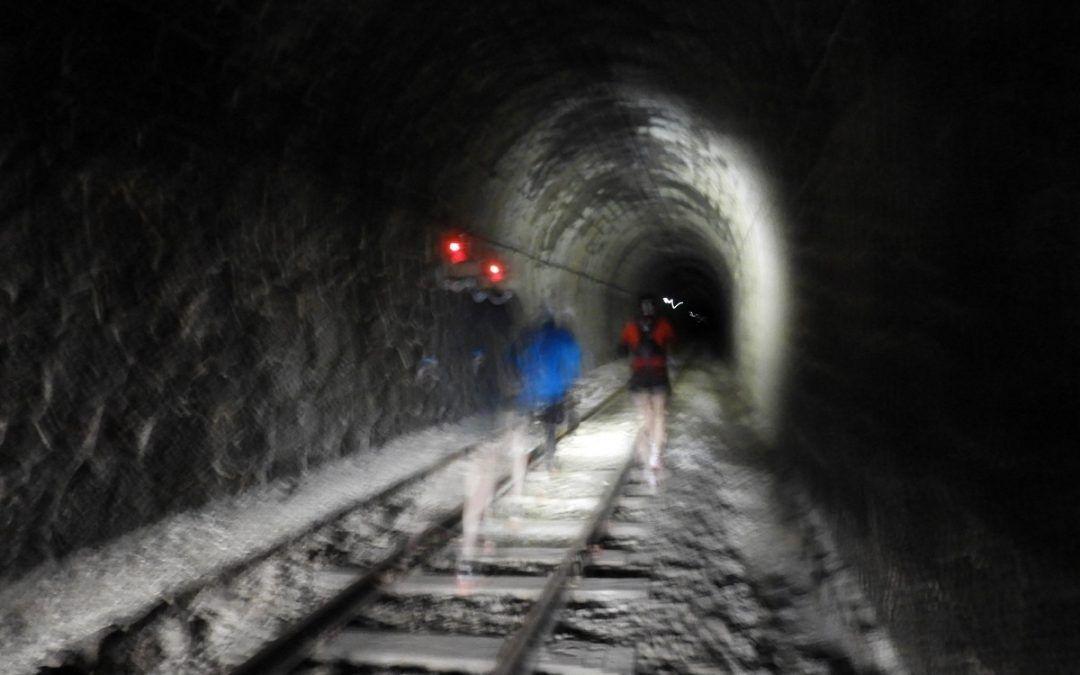 Camí de Ferro: una carrera entre railes de tren y única en el mundo